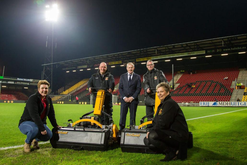 Dutch Stadium Praises INFINICUT
