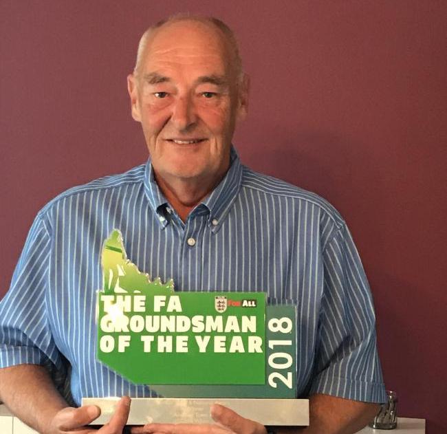 Andover Groundsman Wins Award