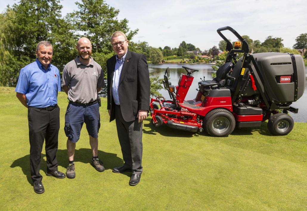 Mere Golf Resort opt for ProLine H800