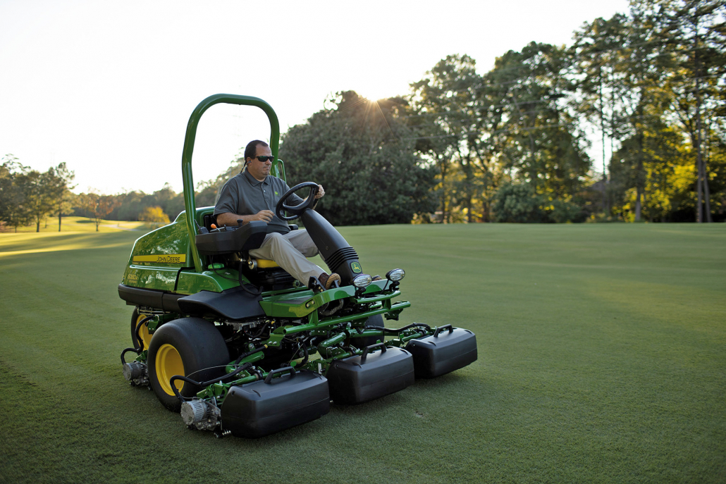 John Deere expands fairway line-up