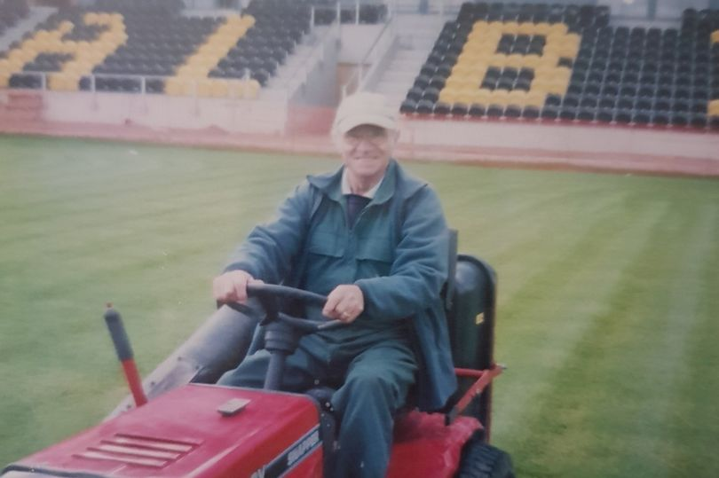 Tributes for Burton groundsman