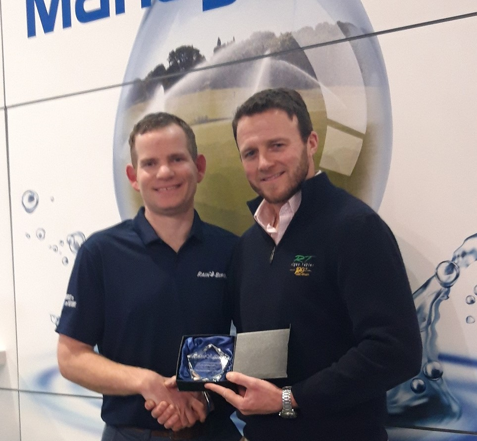 Mark Keysell (right), Rigby Taylor's Technical Sales Manager, receives an irrigation business development award from Rain Bird's Alistair Higgs