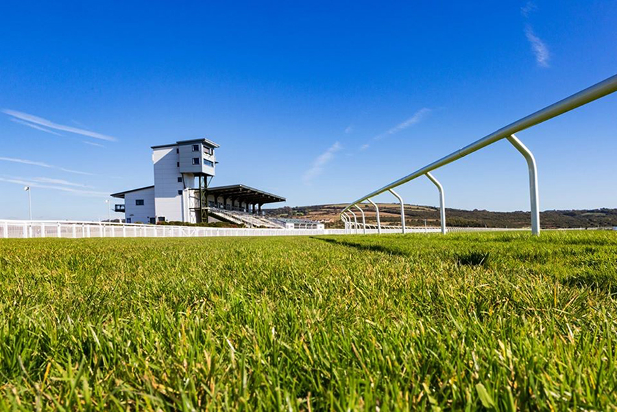 Ffos Las stay on course