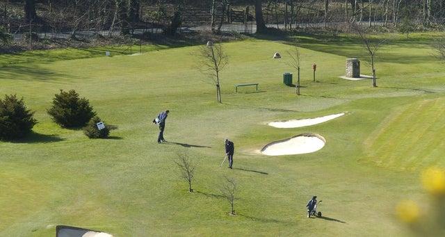 Greenkeeper threatened by golfer