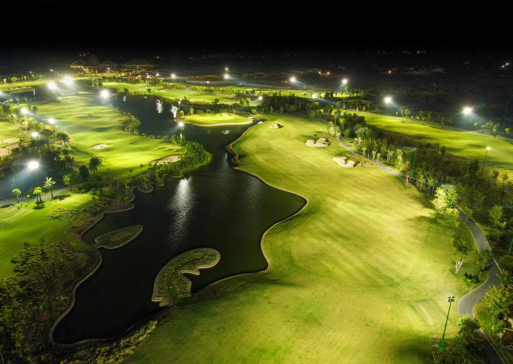 Vattanac opens night golf