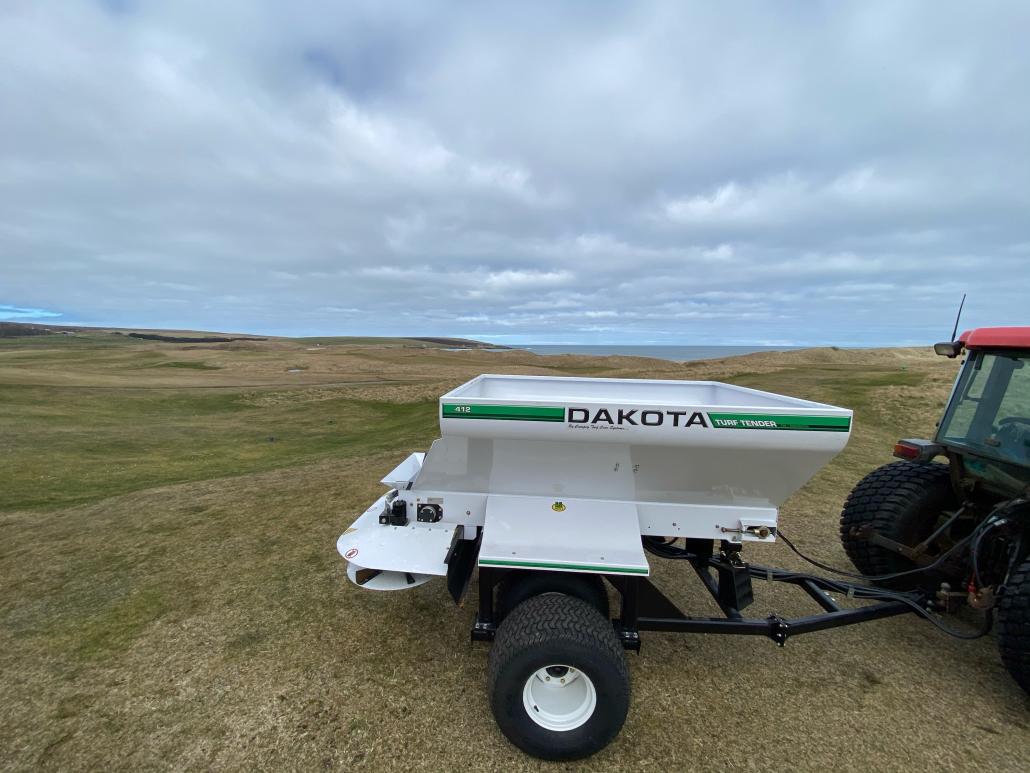 Wet Sand no issue with Dakota 412